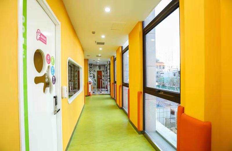 大型早教中心会比中小型早教店更赚钱吗