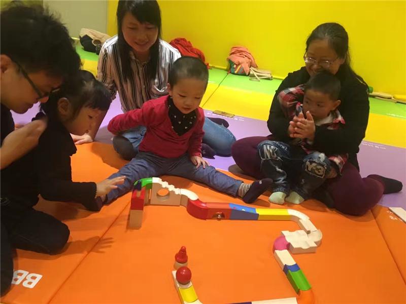 在深圳开一个早教加盟中心难吗